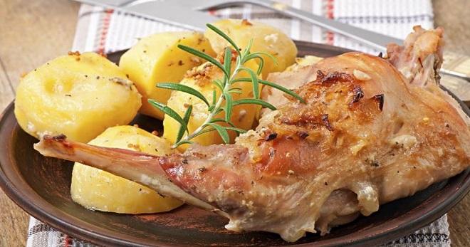 Кролик с картошкой — самые вкусные рецепты и оригинальные идеи приготовления отменных блюд